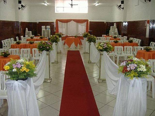 decoracao alternativa e barata para casamento:seguindo essas dicas de decoração de casamento simples e barata