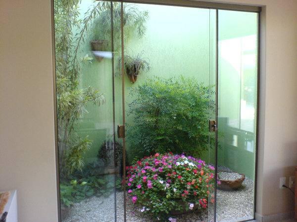 fotos jardins internos: fotos da galeria que traz alguns jardins de inverno para você se
