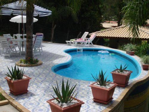 Modelos de piscinas simples para casa fotos dicas na for Piscinas modernas pequenas