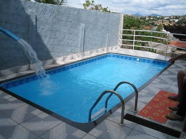 Modelos de piscinas simples para casa fotos dicas na for Modelos de limpiafondos de piscinas
