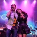 Dulce María e Christian Chavez Cantam Juntos em Show