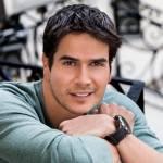 Daniel Arenas Comprou uma Casa no México e Trouxe Toda a Sua Família da Colômbia para Passar as Festas de Fim de Ano com Ele