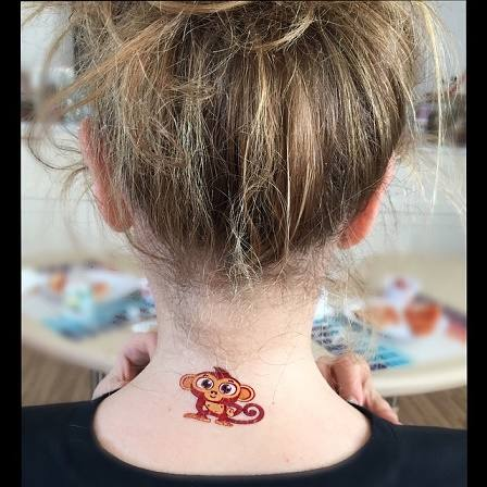 Thalia-faz-tatuagens-3