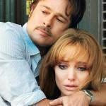 Angelina Jolie e Brad Pitt se divertem em bastidores de filme