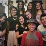 Larissa Manoela posta foto com o elenco de 'Carrossel O Filme 2'