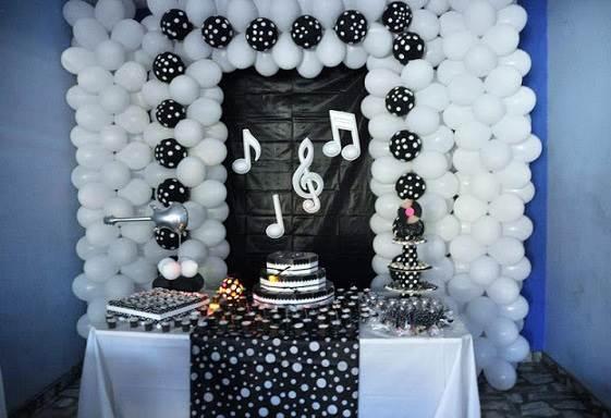 decoracao-festa-de-aniversario-pretoe-branco-10