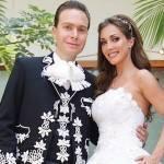 Anahí e Manuel Velasco comemoram 1 ano de casados
