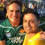 Daniel Arenas participa de partida de futebol beneficente