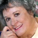 Atriz da novela 'Cuidado com o Anjo' foi internada no hospital com pneumonia