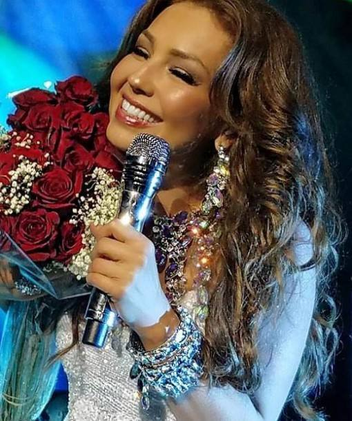 thalia-looks-shows-5