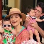 Jorge Salinas e Elizabeth Álvarez comemoram o 1º ano de vida dos seus gêmeos