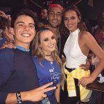 Após Jogo, Larissa Manoela Posa com Neymar, Bruna Marquezine e Ex