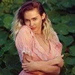Miley Cyrus abandona os vícios e se prepara para lançar música nova