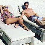 Angelique Boyer e Sebastián Rulli curtem férias de fim de ano na praia