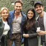 Angelique Boyer posa com elenco da nova novela do Sebastián Rulli