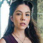 No ar no SBT e na Globo, Bia Arantes fala de sua nova personagem