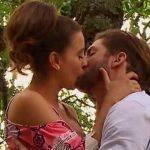 Um Caminho para o Destino: Carlos pede Fernanda em casamento