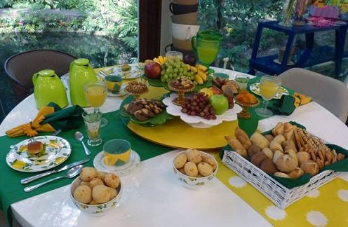 decorar-a-mesa-do-cafe-da-manha-para-a-copa