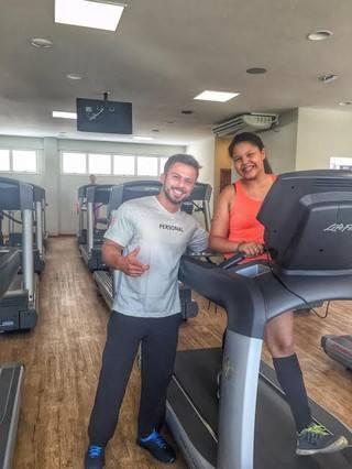 aysha-benelli-pratica-exercicios-fisicos