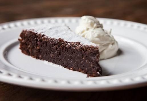 torta-de-chocolate-com-farinha-de-amendoas