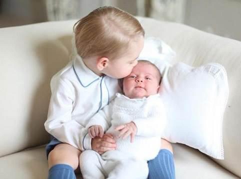 primeras-foto-oficial-princesas-charlotte-2