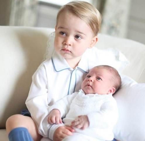 primeras-foto-oficial-princesas-charlotte