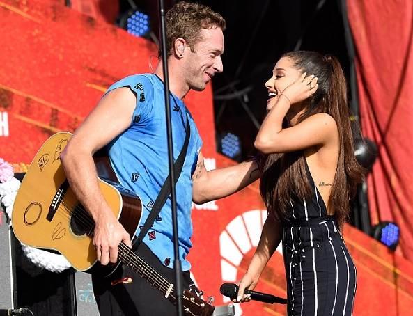 ariana-grande-e-vocalista-do-Coldplay-cantam-juntos-em-festival-de-Nova-York