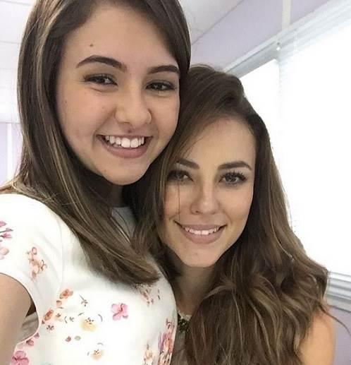 Paolla-Oliveira-e-Klara-Castanho-se-reencontram