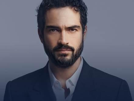 Alfonso-Herrera-ator-do-ano