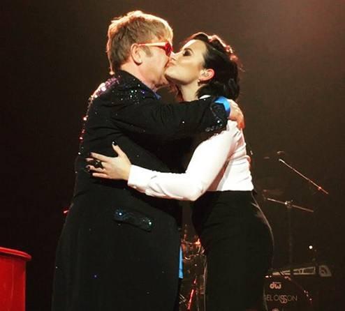 demi-lovato-e-Elton-John-cantam-juntos