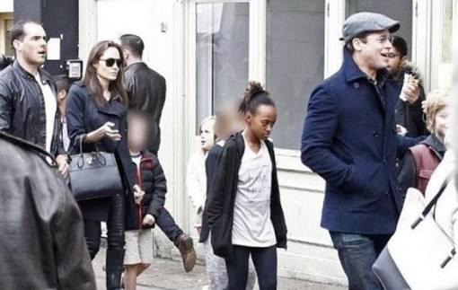 Angelina-Jolie-passeando-familia-2