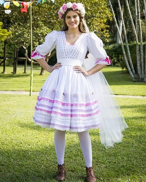 angelica-usa-look-caipira-em-festa-junina-do-estrelas