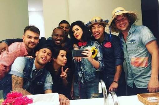 Bruna-Marquezine-e-Neymar-juntos-em-festa-junina-2