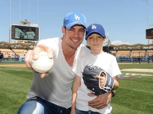 william-levy-apoia-seu-filho-no-beisebol