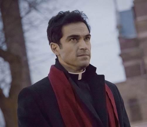 Alfonso-Herrera-em-o-exorcista