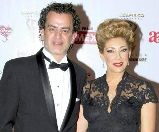 cynthia-klitbo-atriz-novela-Teresa-se-divorciou-2