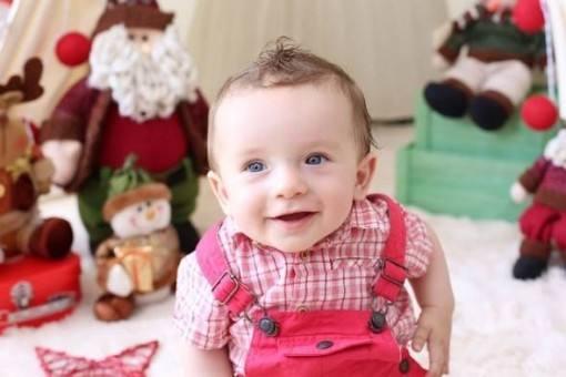 belutti-e-thais-pacholek-fazem-sessao-fotografica-natalina-com-filho-4