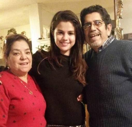 selena-gomez-tem-familia-mexicana-3