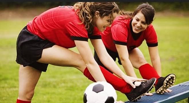 benefícios de jogar futebol
