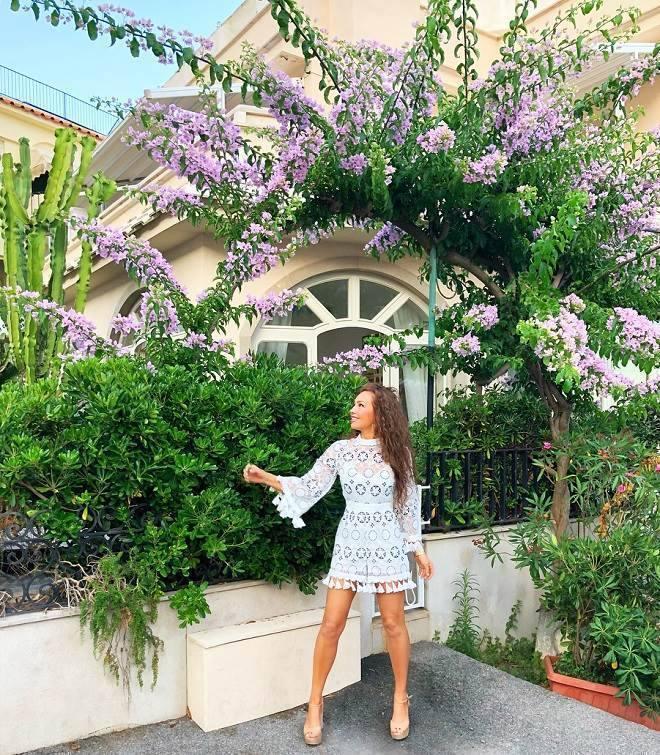 Thalia com a família na Itália