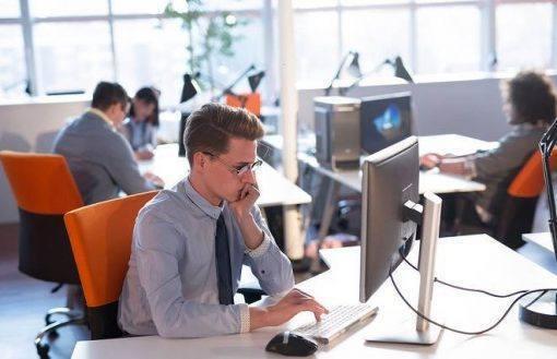 15 Hábitos que destroem sua reputação no trabalho