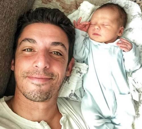 marido e filho de Zuria Vega