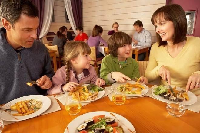dicas para levar as crianças ao restaurante