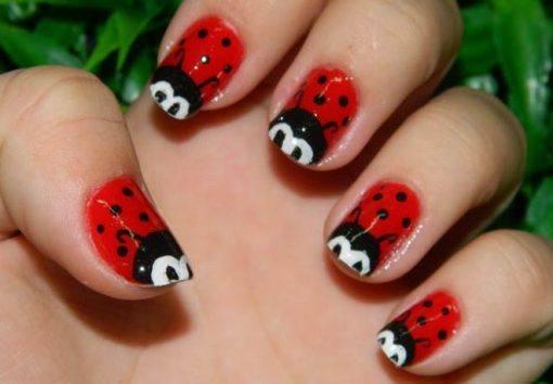 unhas vermelhas de joaninha