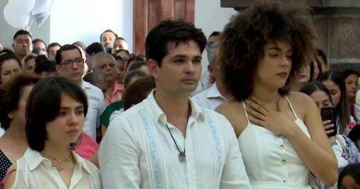 Ferdinando Valencia reúne multidão na despedida do filho