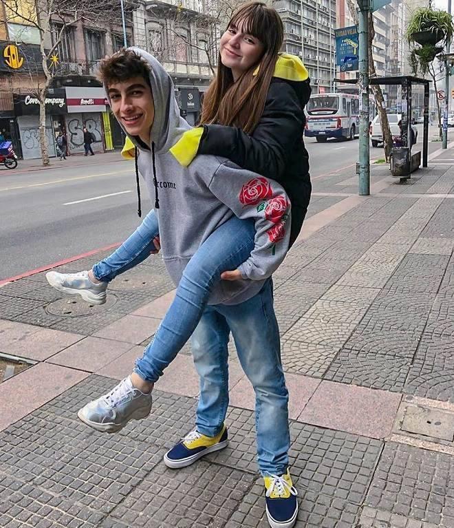 Sophia Valverde, a Poliana, faz viagem internacional com o namorado