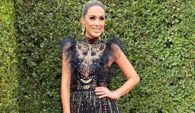 Jacqueline Bracamontes usa 6 looks em premiação
