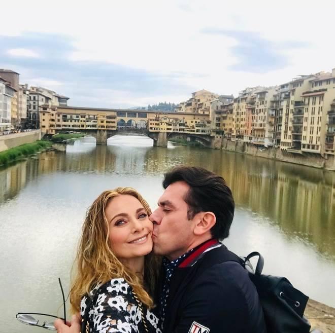 Jorge Salinas e esposa em viagem