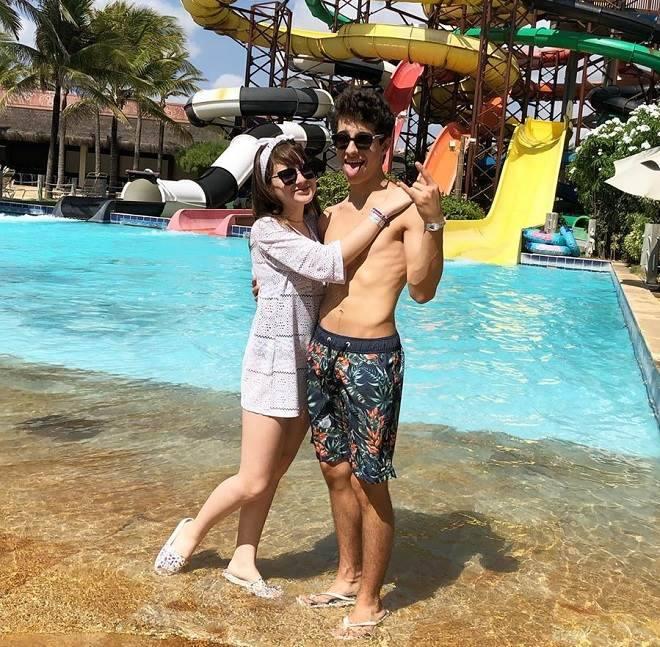 Sophia Valverde, a Poliana, leva o namorado em viagem para o Ceará
