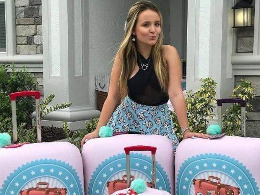 Larissa Manoela será vendedora de malas em nova novela da Globo